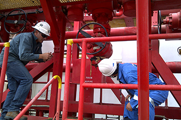 Oil-Gas-workers
